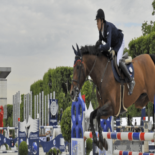 Experience Longines Paris Eiffel Jumping differently with VOGO SPORT!