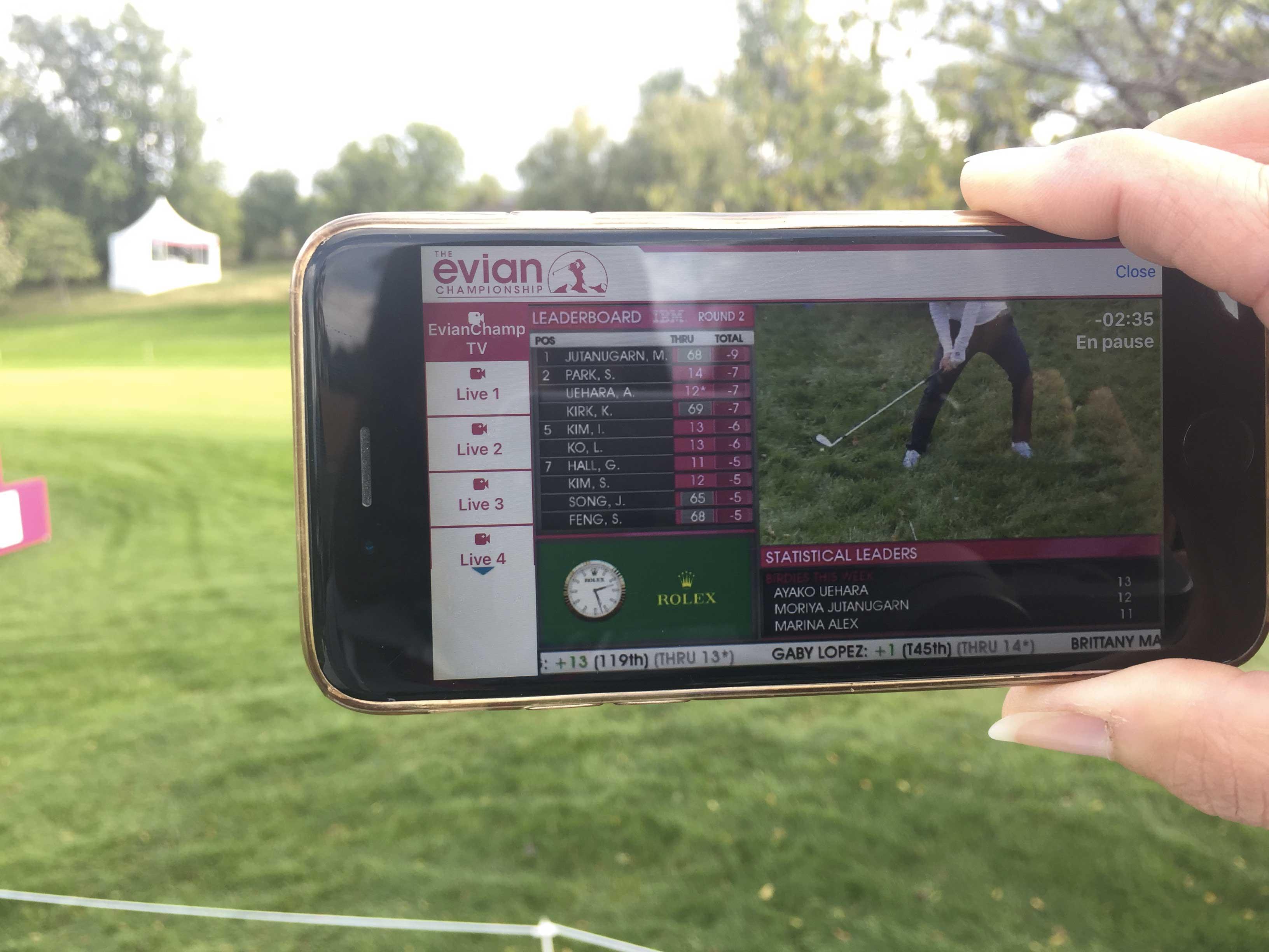 image arret sur image du sport golf sur telephone portable avec vogo group